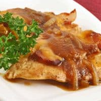Bacon-Cheddar Chicken with Apple Butter Sauce