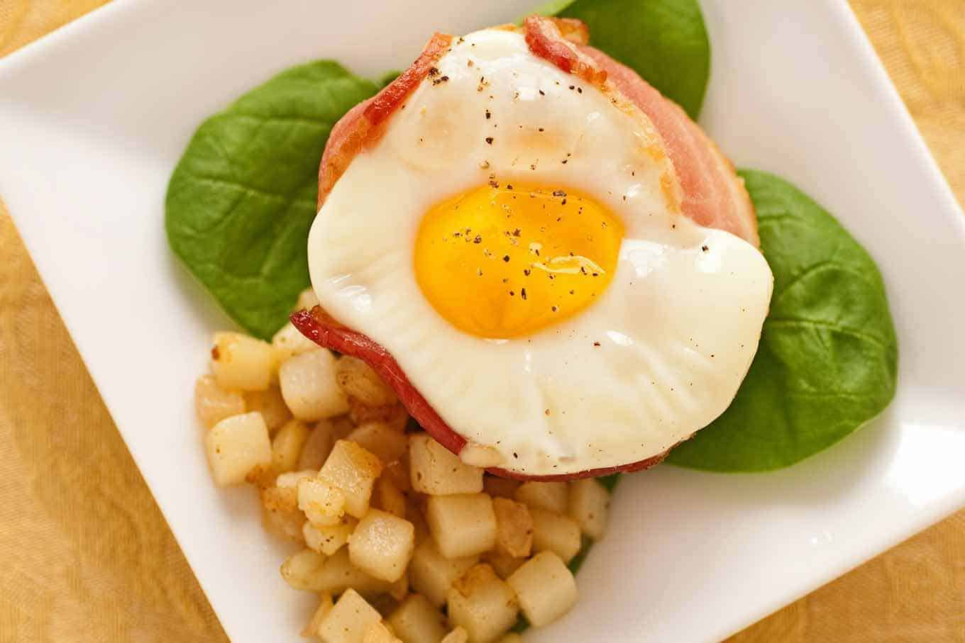 Baked Bacon Egg And Cheese Cups Recipe Mygourmetconnection