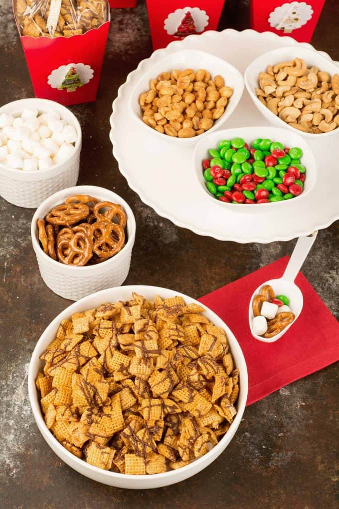 How to Serve Holiday Chex Mix