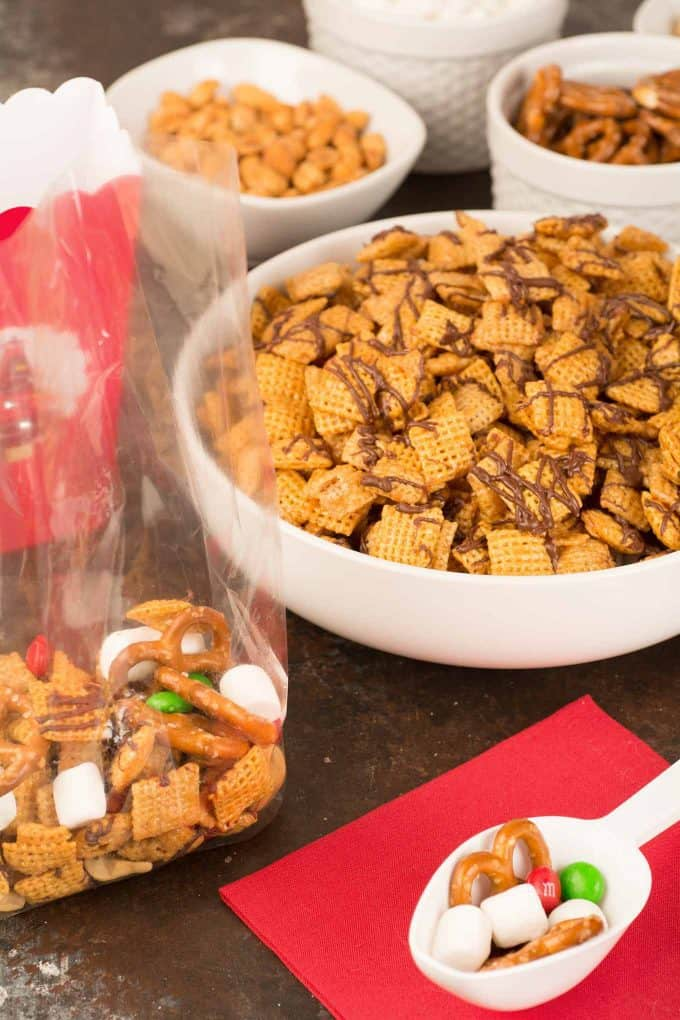 Holiday Chex Mix Take Home Treat Boxes