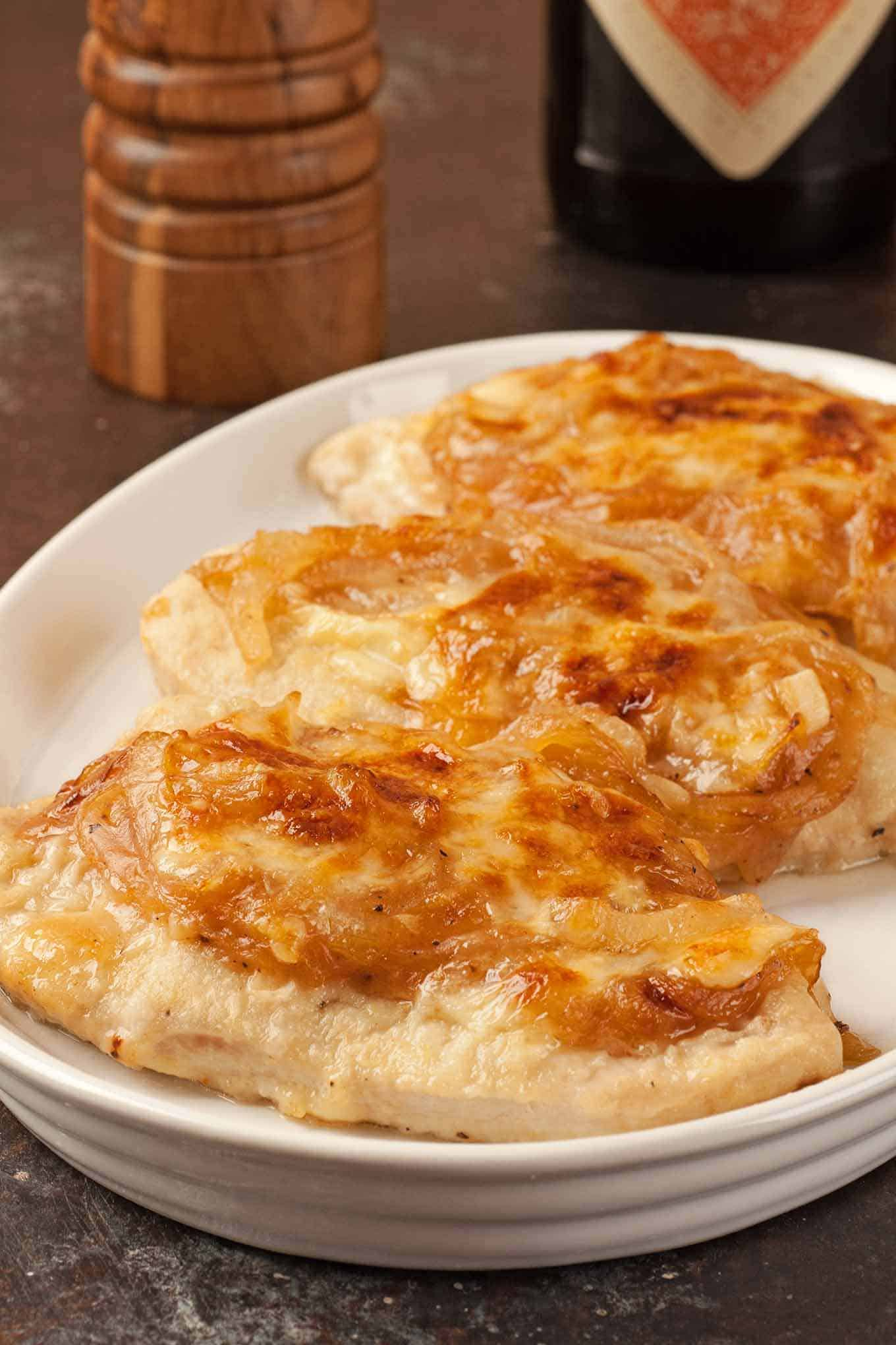 Chicken with Sherry-Caramelized Onions and Cheese