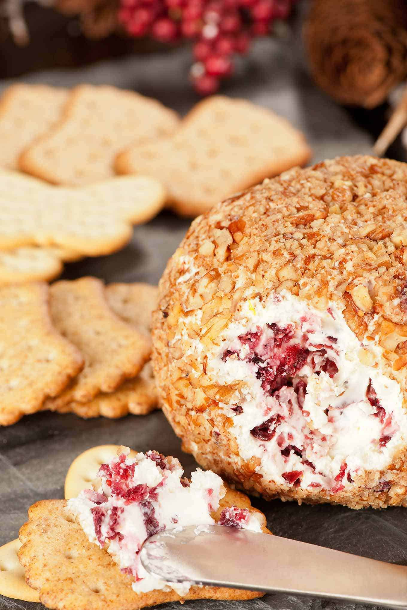 Easy Cranberry Pecan Cheeseball