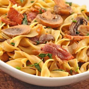 Egg Noodles with Mushrooms and Bacon