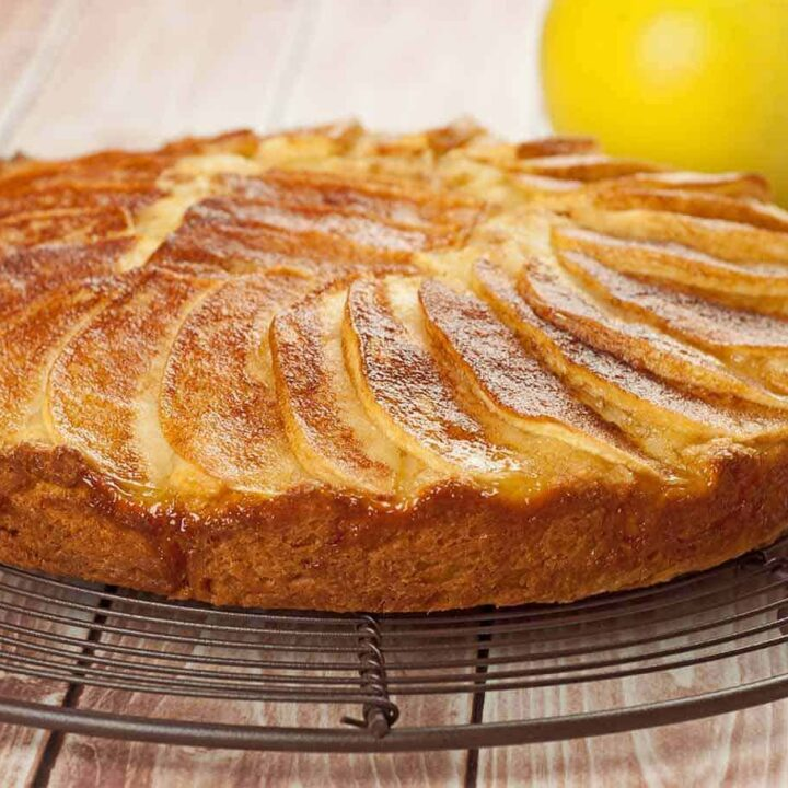 Golden Delicious Coffee Cake