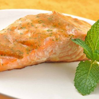 Grilled Salmon with Mango Barbecue Sauce