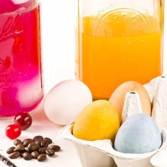How To Make All-Natural Egg Dyes
