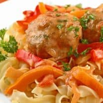 Meatballs In Paprikas Gravy