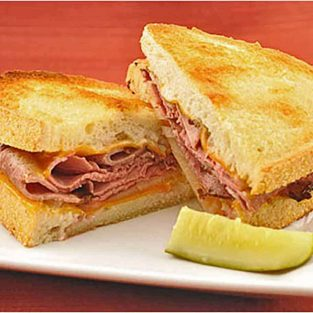 Oven-Grilled Roast Beef and Cheddar Sandwiches