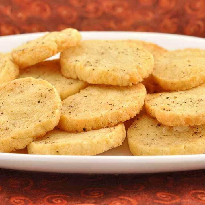 Parmesan-Pepper Shortbread Bites