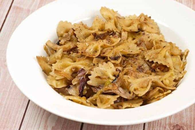 Pasta with Cabbage, Radicchio and Garlic
