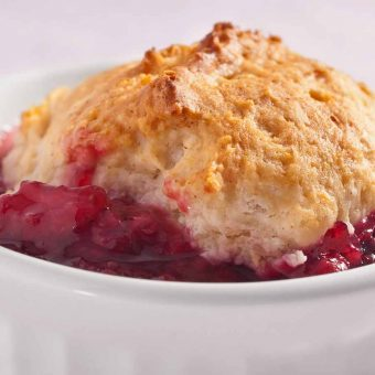 Quick Berry Cobbler
