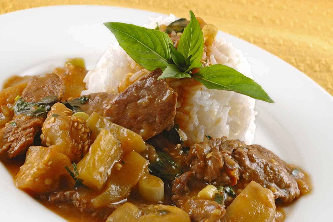 Red Curry Beef With Eggplant