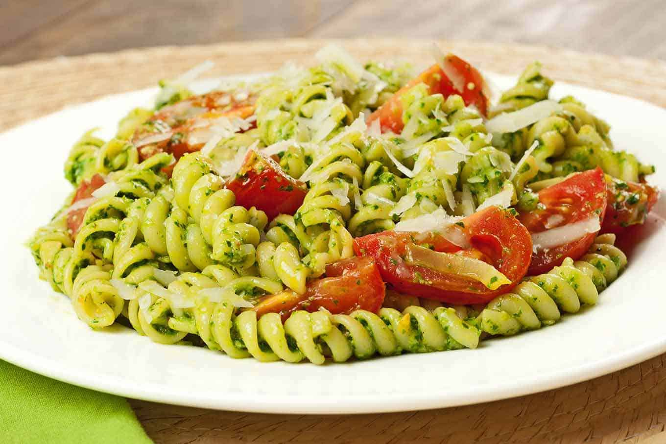 Rotini with Spinach-Basil Pesto and Tomatoes