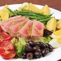 Salade Niçoise with Pan-Seared Tuna