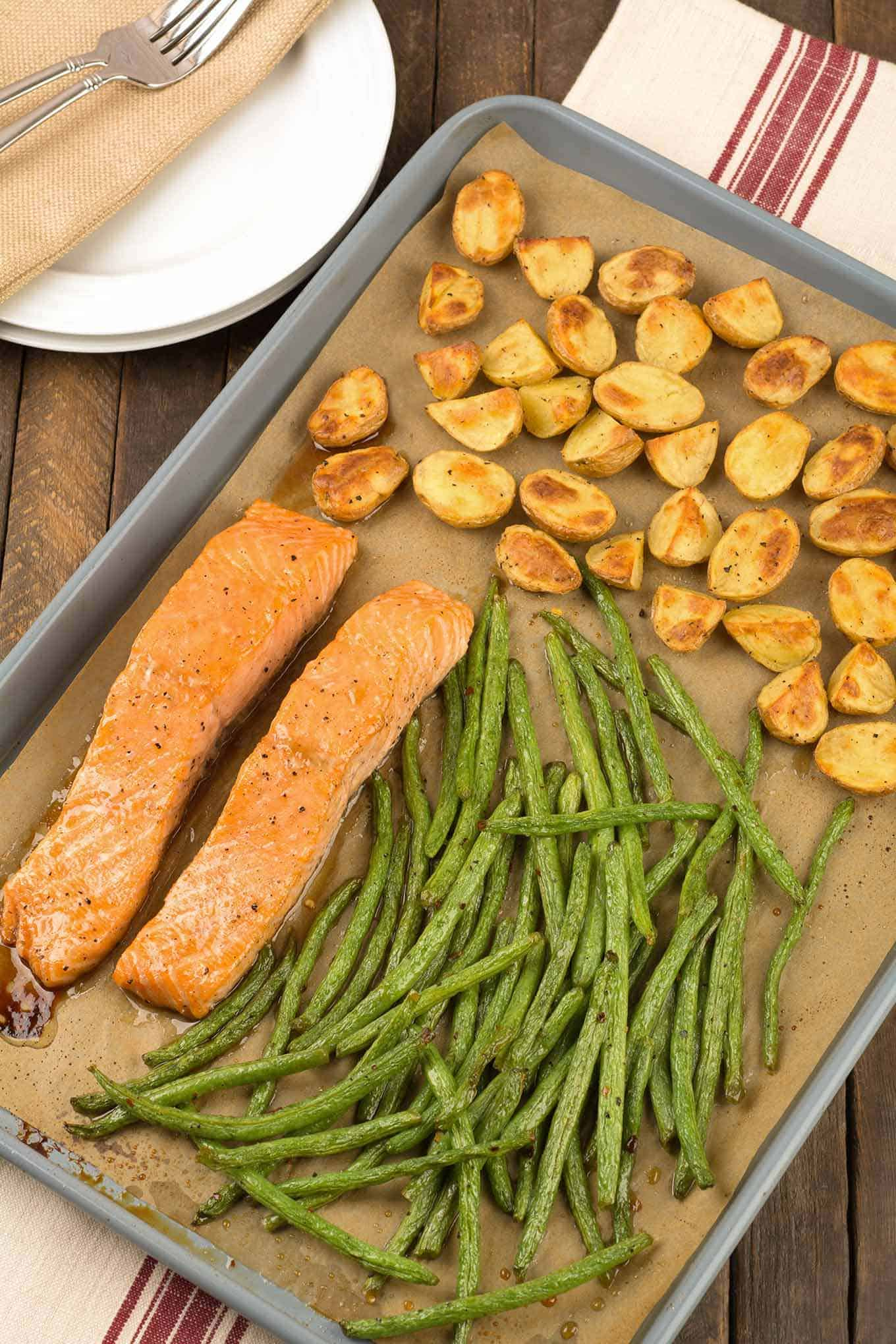 Sheet Pan Salmon with Potatoes and Green Beans