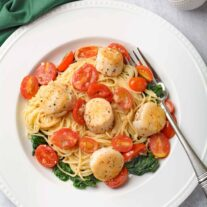 Seared Scallops and Angel Hair Pasta with White Wine Butter