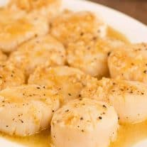 Seared Scallops with Lemon and Garlic Pan Sauce