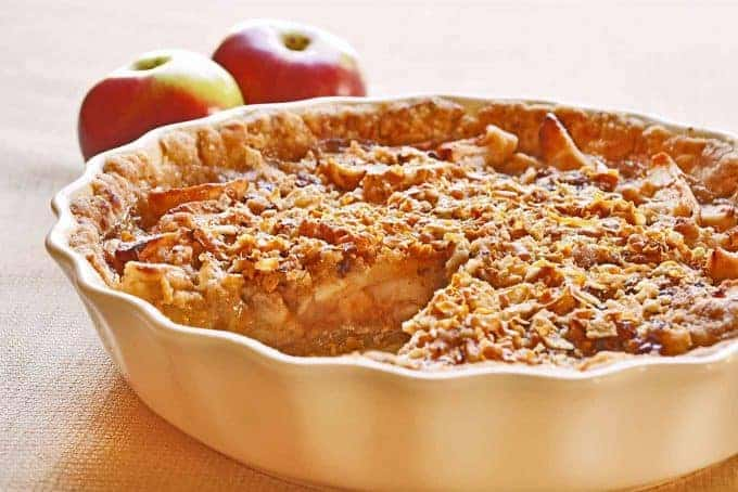 Sour Cream Apple Pie with Norwegian Gjetost