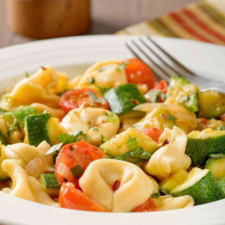 Spicy Tortellini with Zucchini and Tomatoes